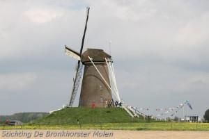 8 en 9 mei 2013: 24 uur Dauwdraaien Bronkhorster Molen